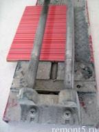 размещение плитки на плиткорезе